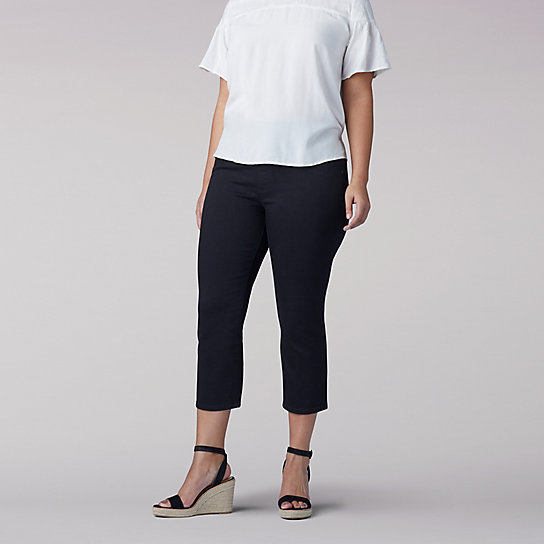Sculpting Slim Fit Pull On Capri - Plus