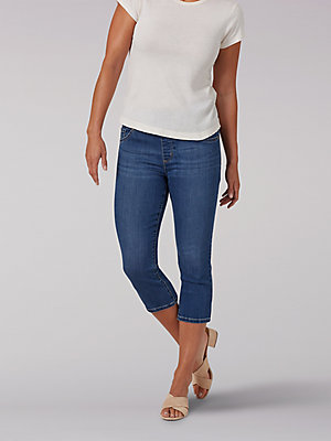 Women's Sculpting Slim Fit Pull-On Capri