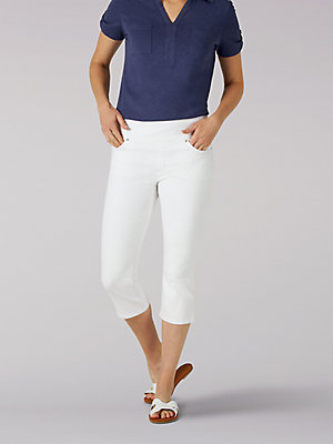 Women's Sculpting Slim Fit Pull-On Capri (Petite)