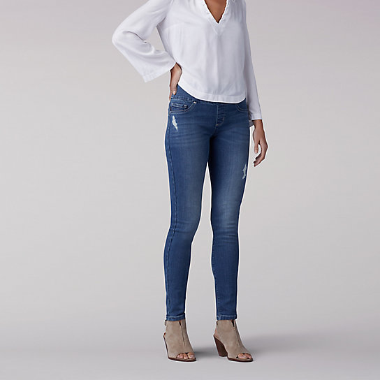 Sculpting Slim Fit Skinny Pull-On Jean