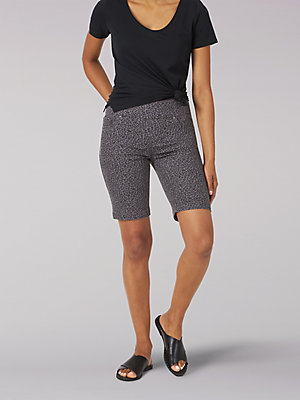 Women's Sculpting Slim Fit Pull-On Bermuda